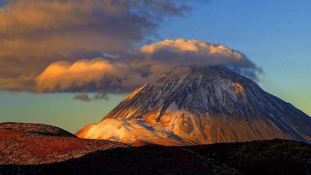 Al Teide le sale 'sombrero': cómo se ha formado esta curiosa nube