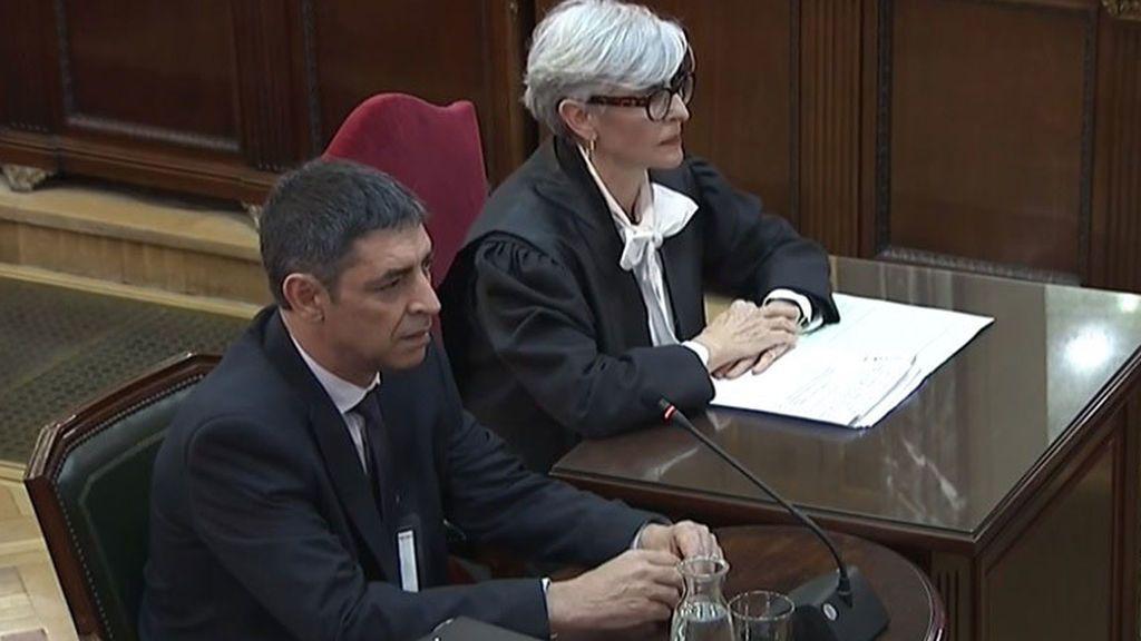 Olga Tubau, defendiendo al mayor de los Mossos, Josep Lluís Trapero