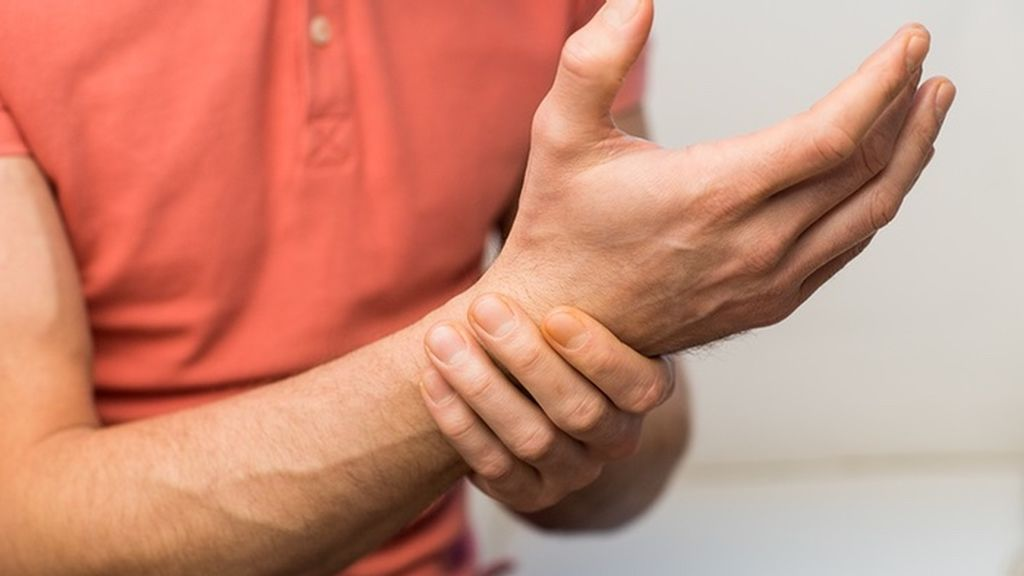 Cómo eliminar el dolor de muñeca: ejercicios para evitarlo