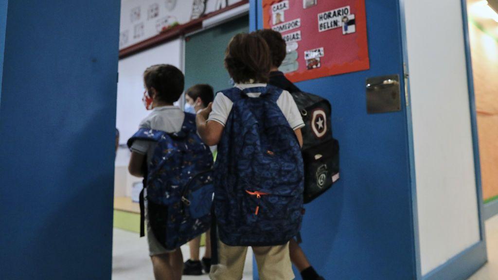 Un experto de Oxford dice que los colegios deberían cerrar dos semanas para combatir la segunda ola de covid-19