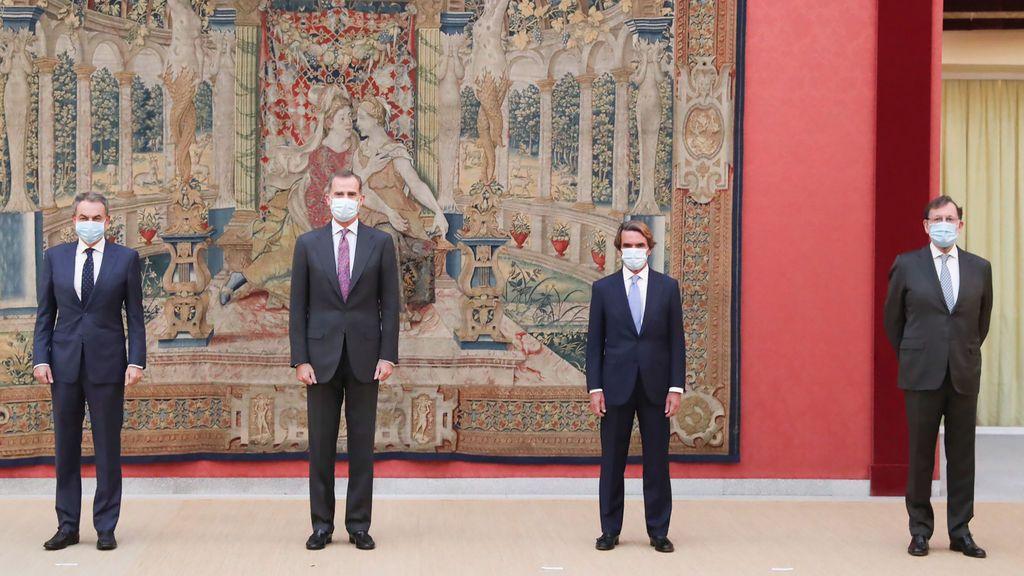 Rajoy  aparece por primera vez tras la sentencia de la Gürtel junto al  rey, Aznar y Zapatero