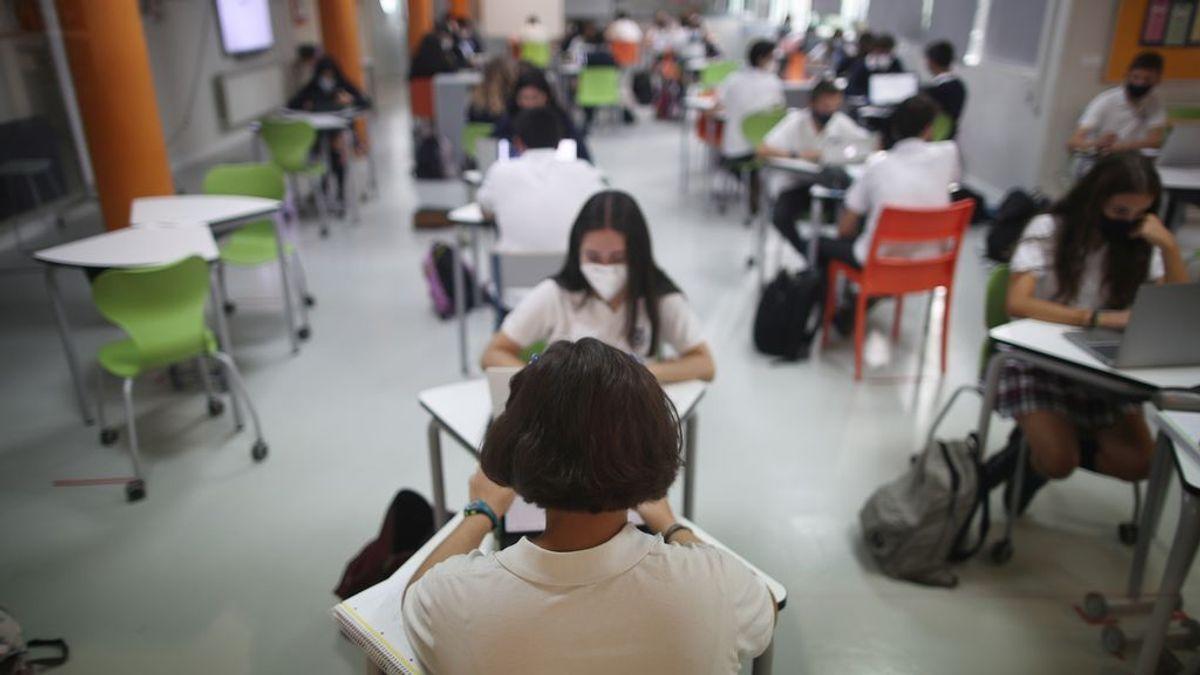 """Insuficiente en ventilación: Un estudio señala la """"inadecuada calidad ambiental"""" de los colegios españoles"""