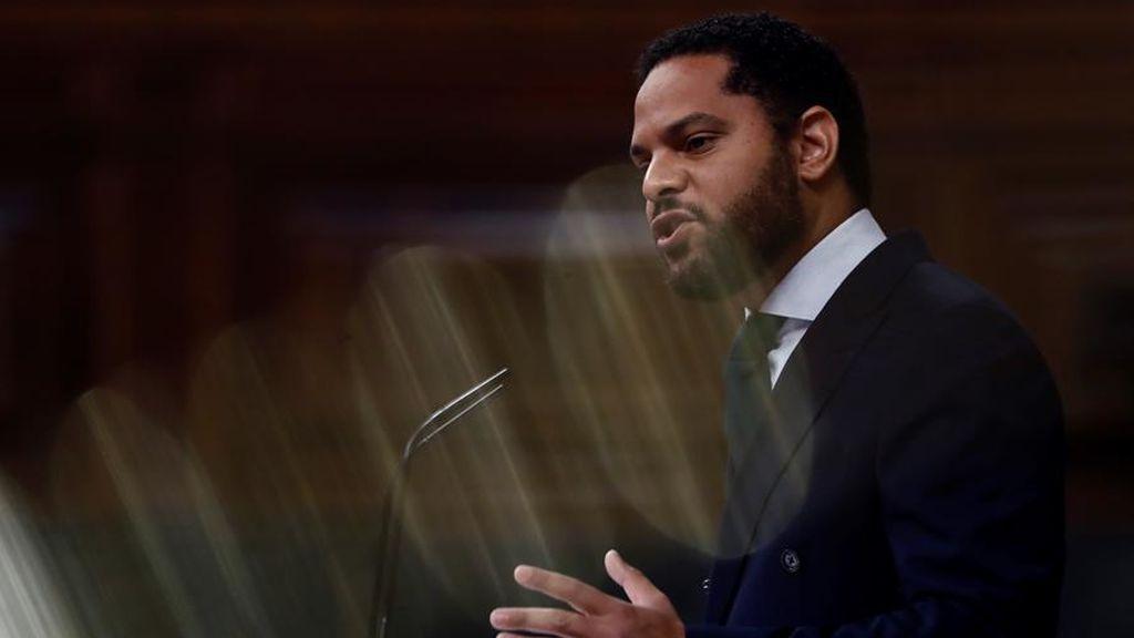 El diputado de Vox, Ignacio Garriga, en la tribuna del Congreso