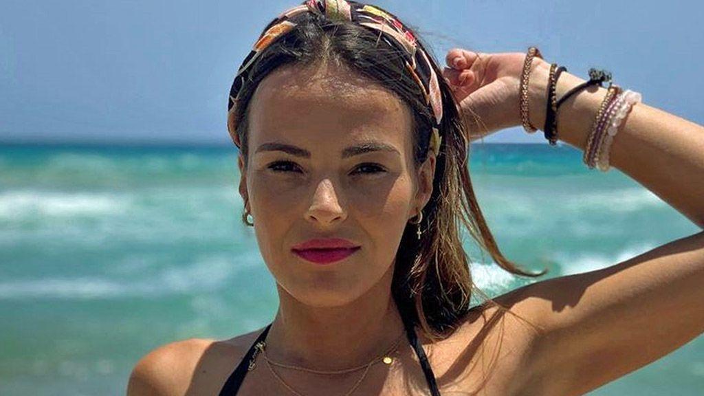 Marta Peñate muestra el resultado de su retoque estético en la cara