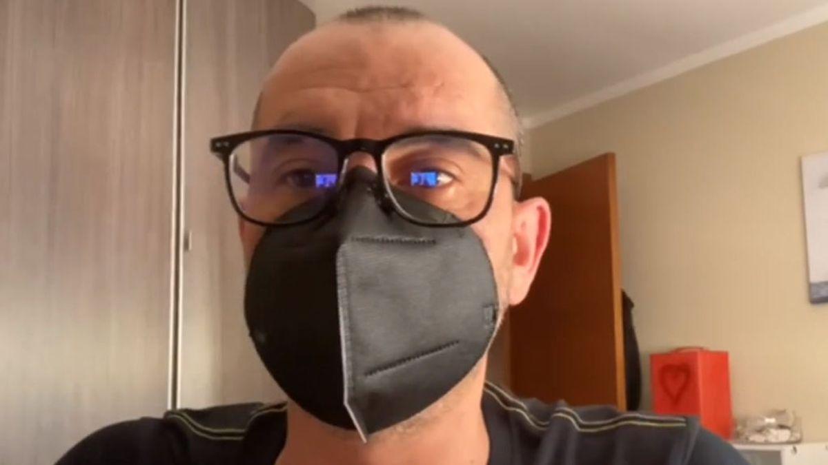 Mascarilla magnética: un asturiano inventa un modelo sin gomas en las orejas y que no empaña las gafas