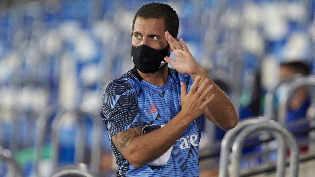 Hazard, en el banquillo de un partido en Valdebebas.