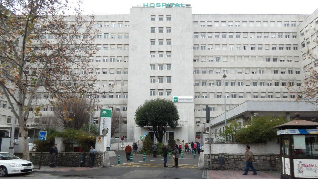 El antiguo Hospital Clínico de Granada vuelve a acoger pacientes hospitalizados por coronavirus para aliviar la presión asistencial