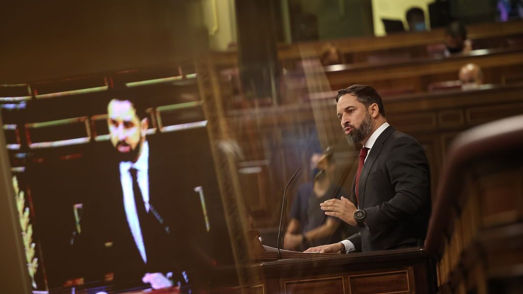 Abascal lee la lisa de los asesinados por ETA en su réplica a Bildu