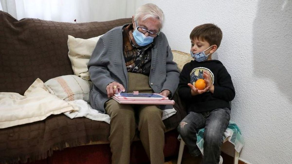Una mujer española de 99 años supera el coronavirus y regresa a los videojuegos