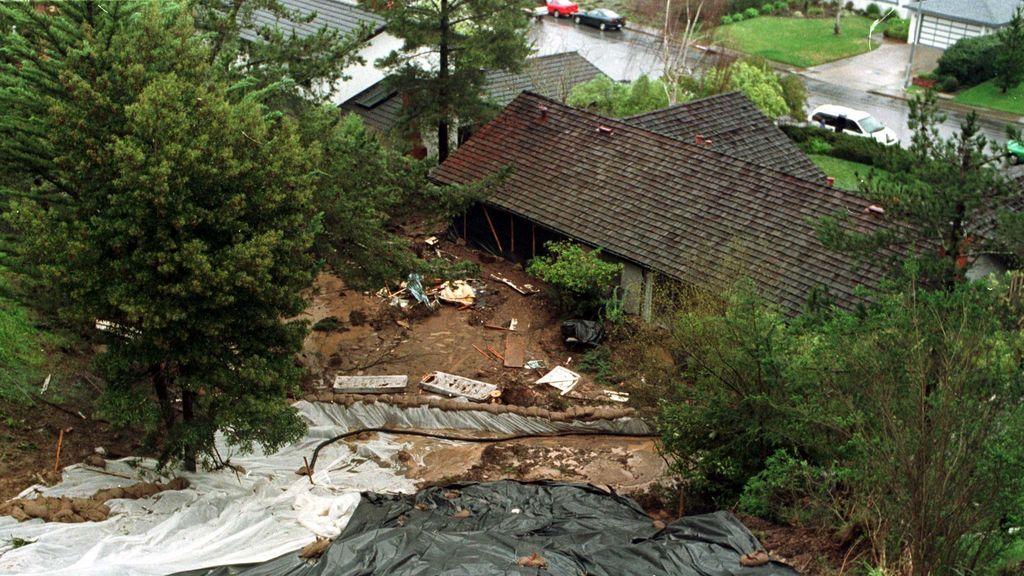 Tras los incendios, los deslizamientos de tierra amenazan California