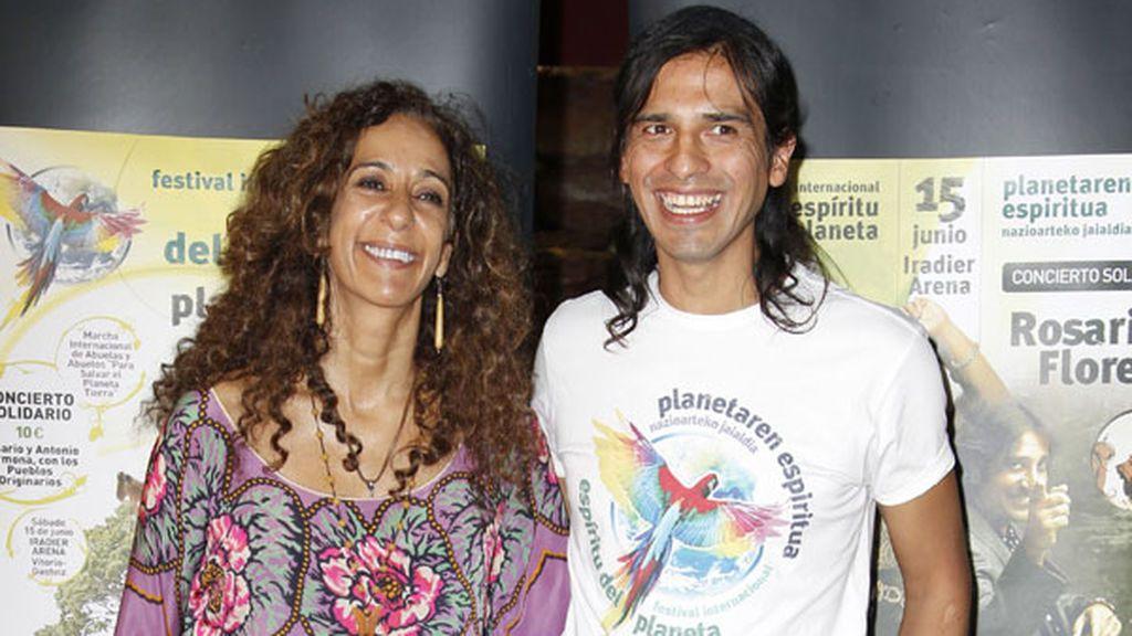 Lola nació en 1996 y, un año después, sus padres, Rosario y Carlos Orellana, se separaron.