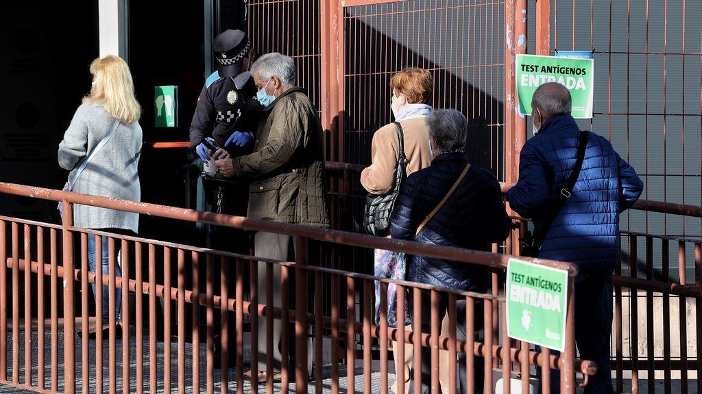 El coronavirus se muda al norte de Madrid: Majadahonda ya duplica en tasa de contagios a Vallecas