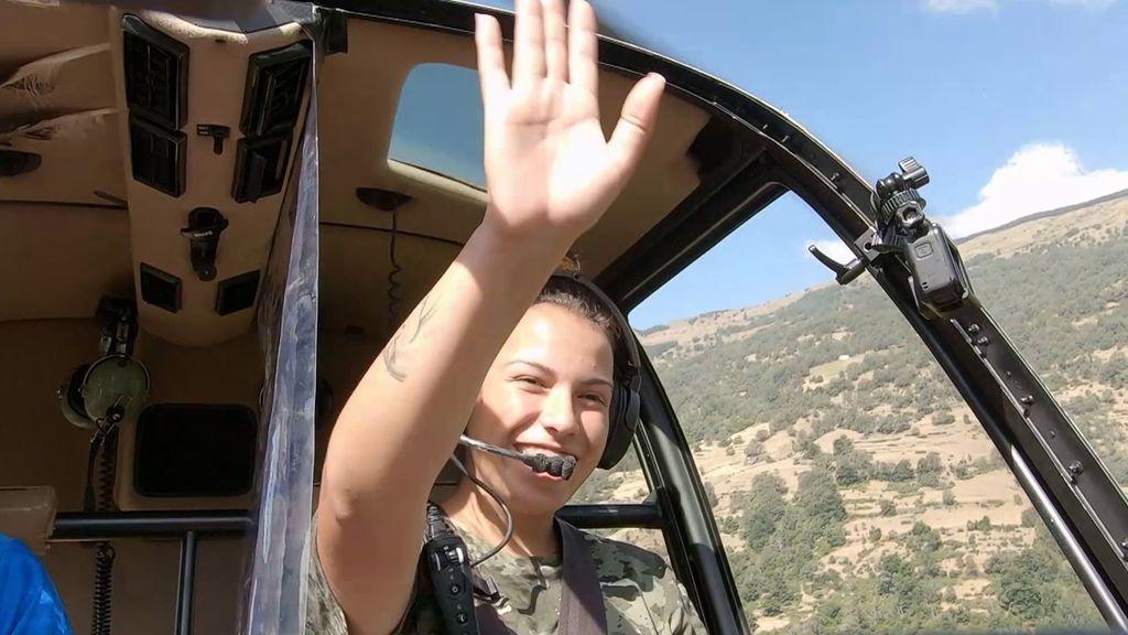 La emoción de Nerea cuando sobrevuela su pueblo en helicóptero y ve a su abuelo