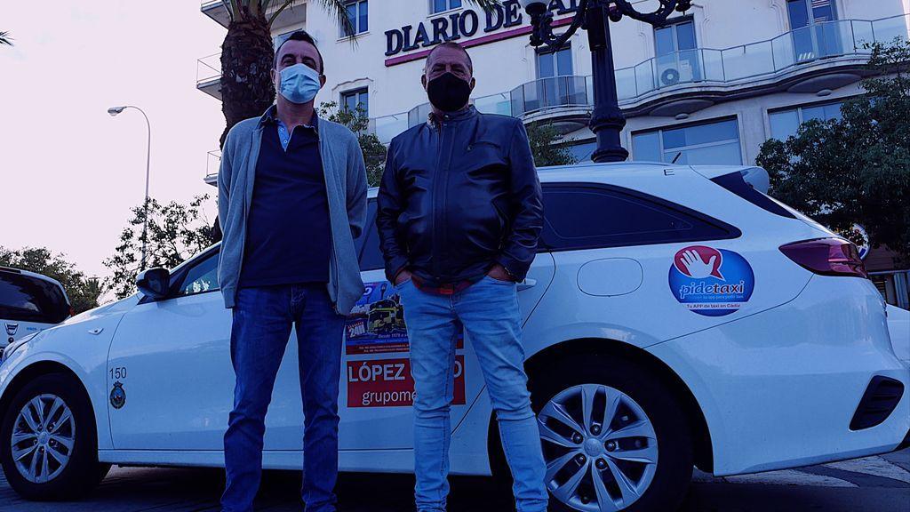 Taxistas en la parada de San Juan de Dios