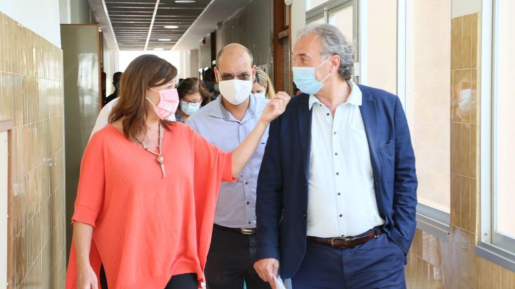 La presidenta de Baleares, Francina Armengol, se va de bares y se salta sus propias restricciones por la pandemia