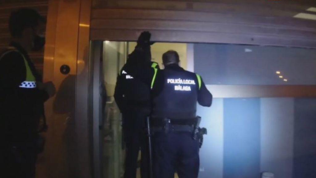 Cazados 25 jóvenes de fiesta en un local de 20 metros cuadrados y compartiendo cachimba