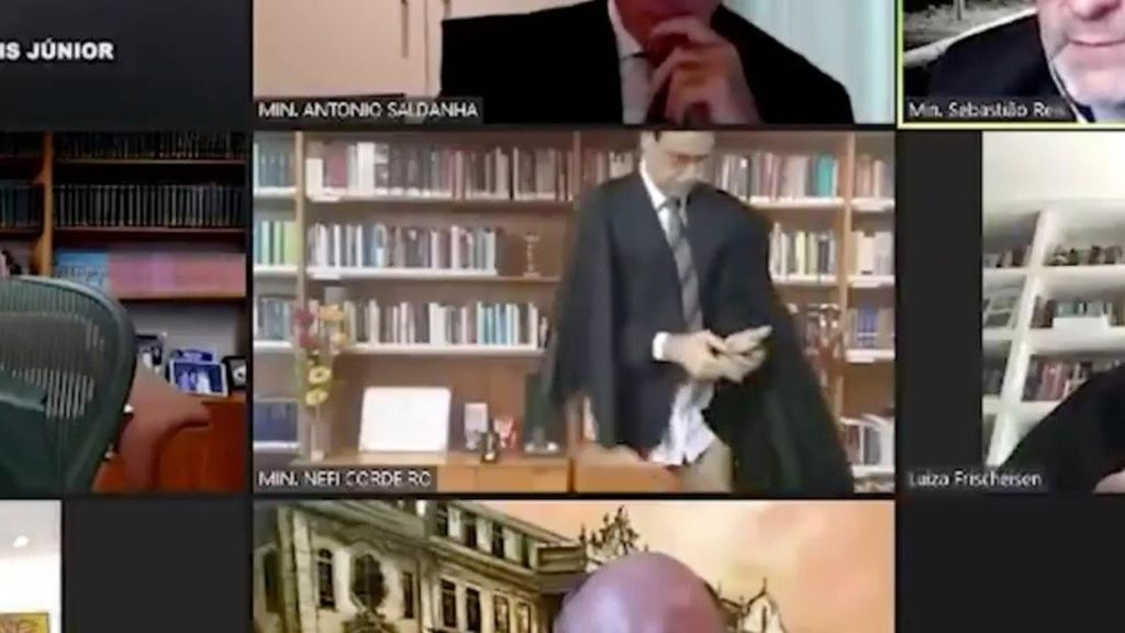 Un juez brasileño, en paños menores en una sesión virtual: pensó que tenía la cámara apagada