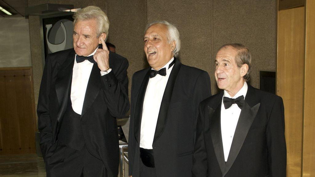 Raúl del Pozo, entre Luis del Olmo y José María García, en la entrega de unos premios en 2008