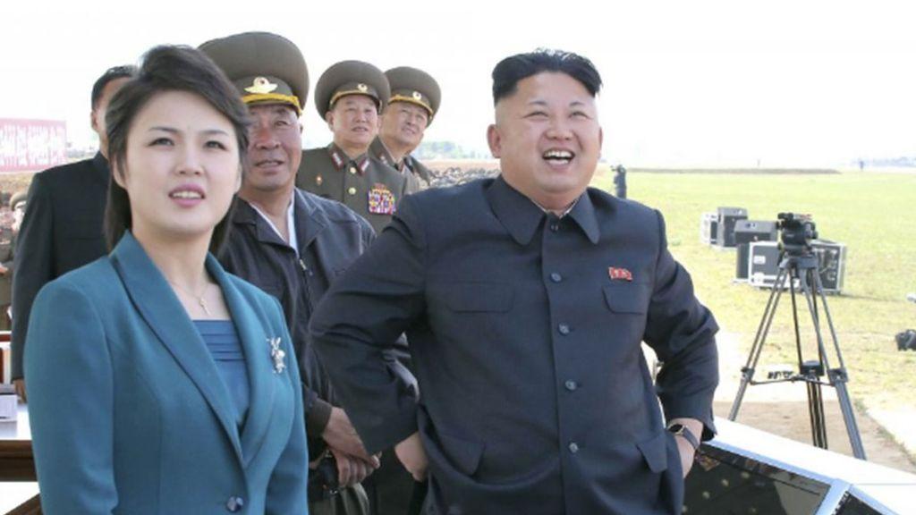 El paradero desconocido de la mujer de Kim Jong-un dispara las especulaciones
