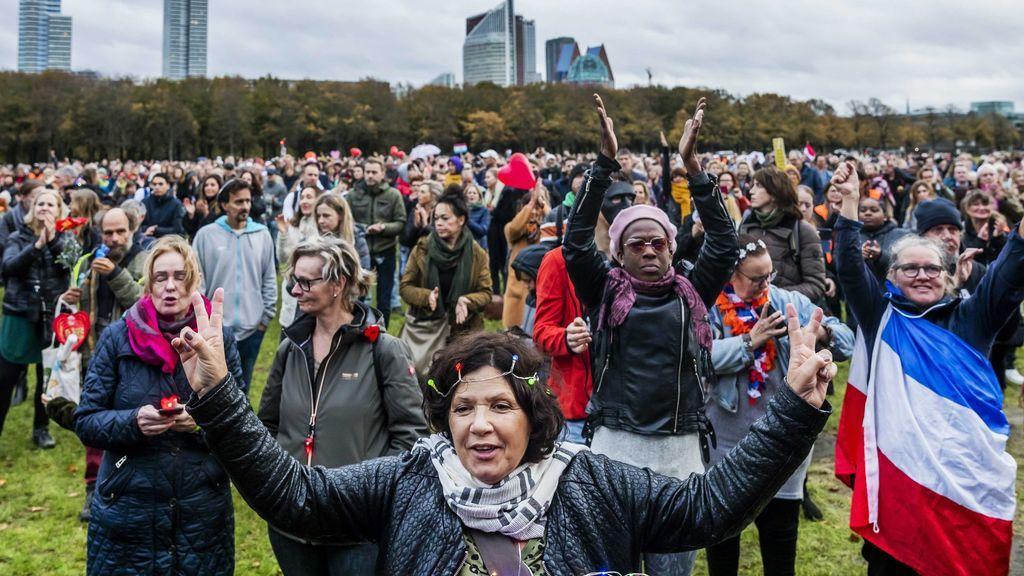 Protestas contra las restricciones por la covid en Holanda