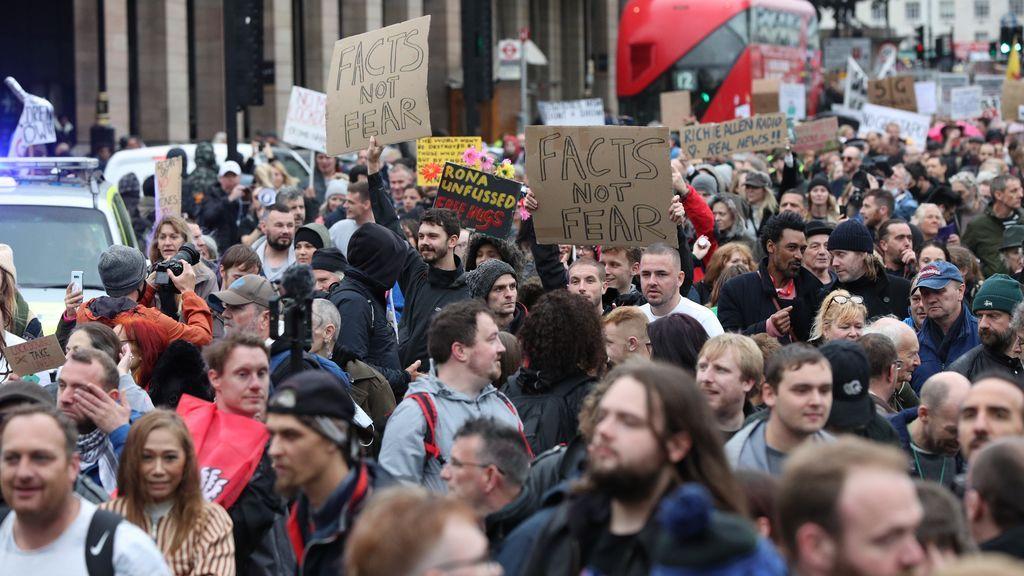 Protesta en Londres contra las restricciones