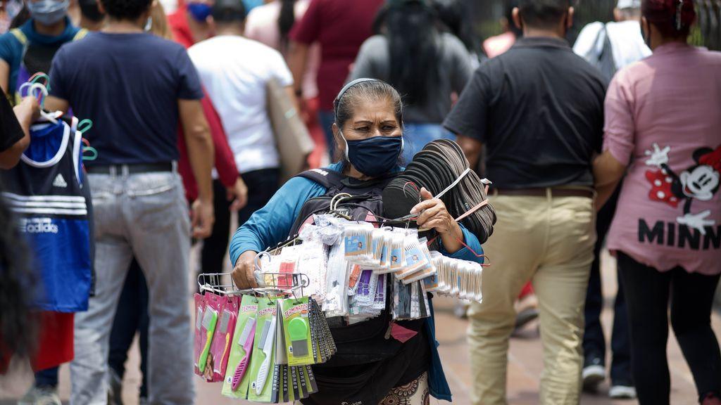Aumenta contagio de covid-19 en Ecuador, que suma 2.021 casos en 24 horas