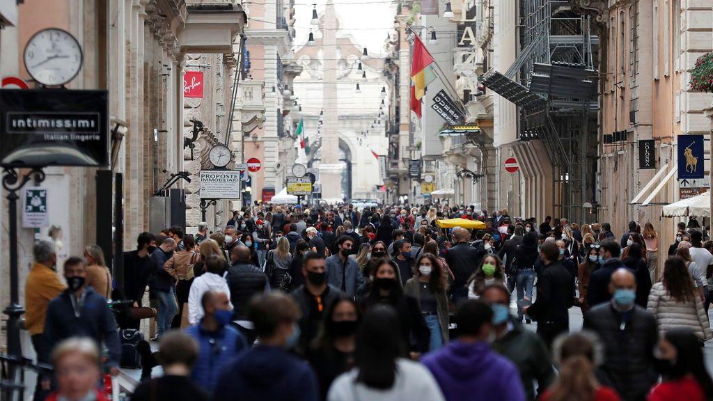 Italia bate un nuevo récord diario con más de 21.000 contagios ante nuevas medidas restrictivas