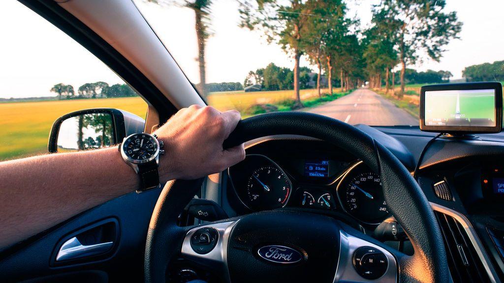 Ángulo muerto en el coche: cómo se produce, peligros y formas de evitarlo