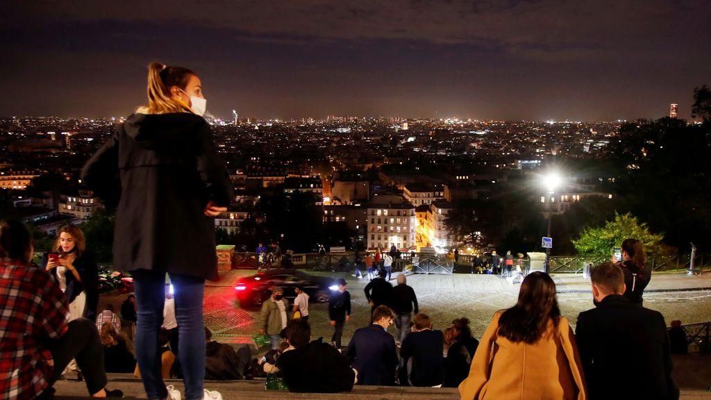 Disfrutando de las vistas de Montmartre, en París