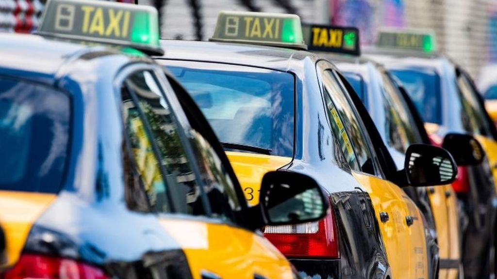 Los taxistas de Barcelona lanzan un S.O.S