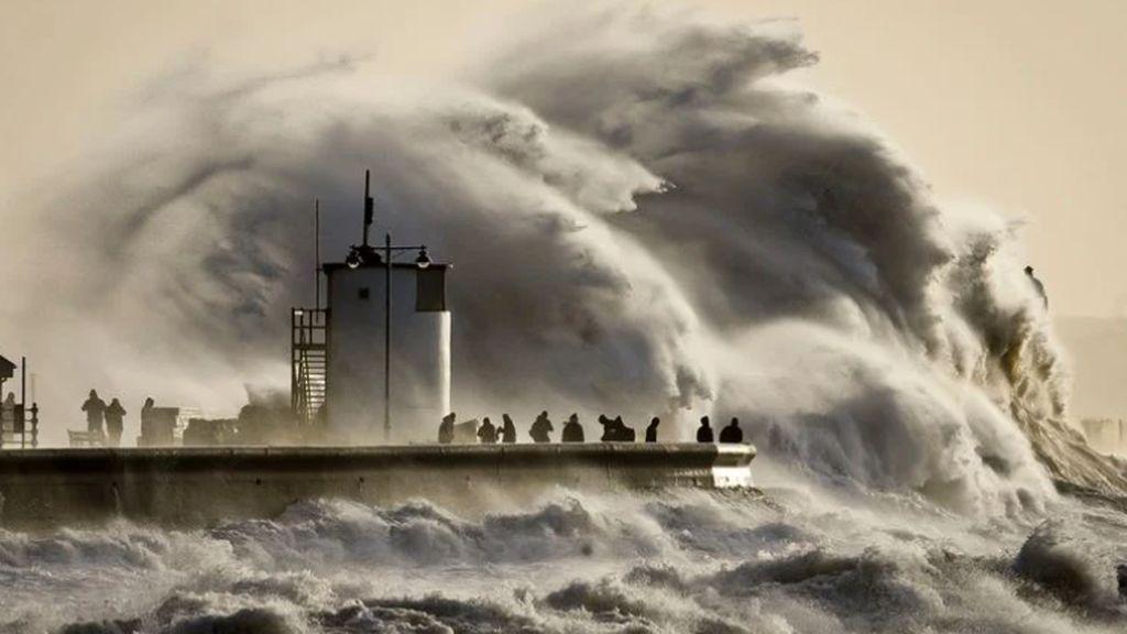La bomba meteorológica Épsilon puede traer olas gigantes a España