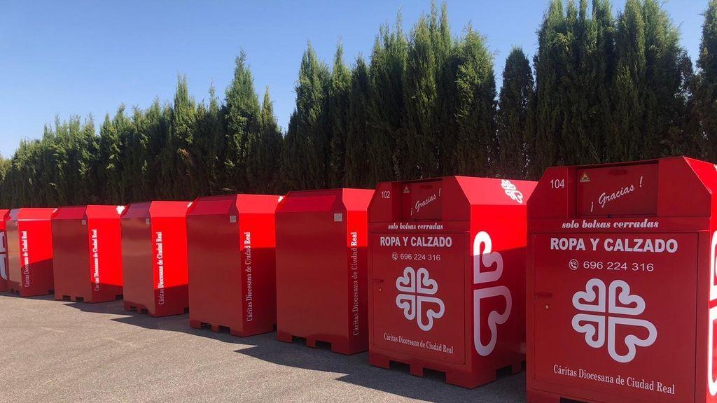 Claves de la OCU para diferenciar los contenedores de ropa