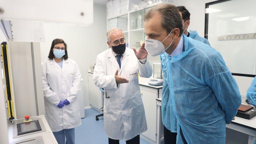 El ministro Duque cree que las primeras vacunas podrían llegar a España en Diciembre