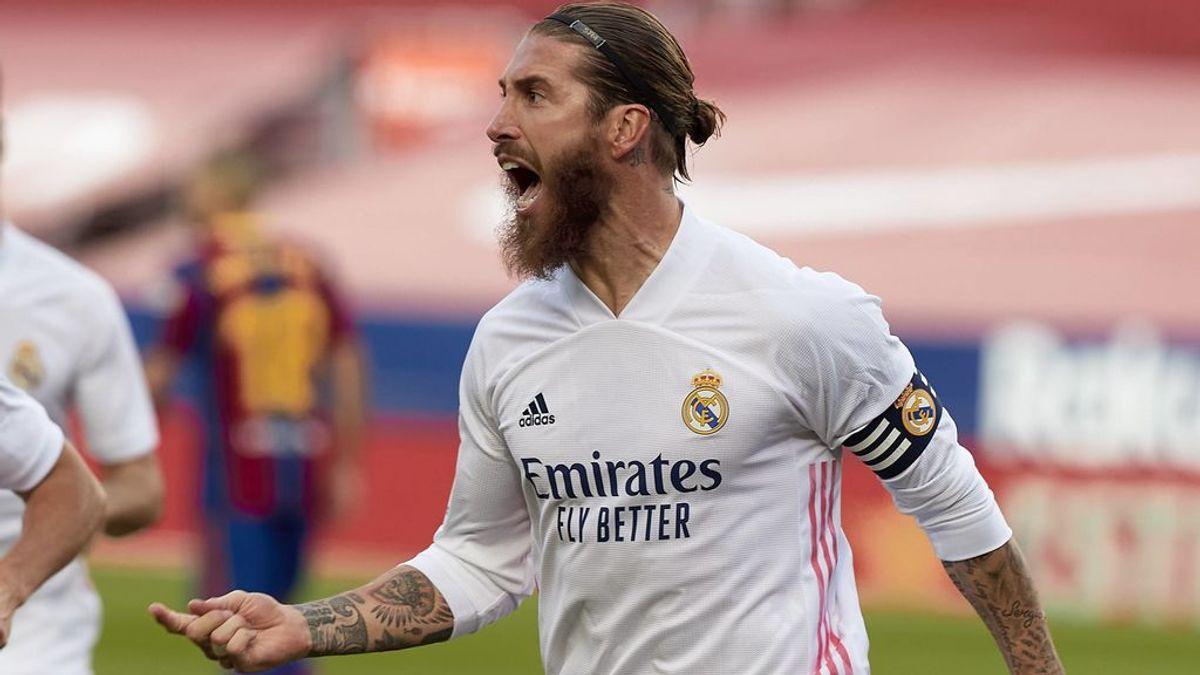 Sergio Ramos celebra su gol de penalti en el Camp Nou.
