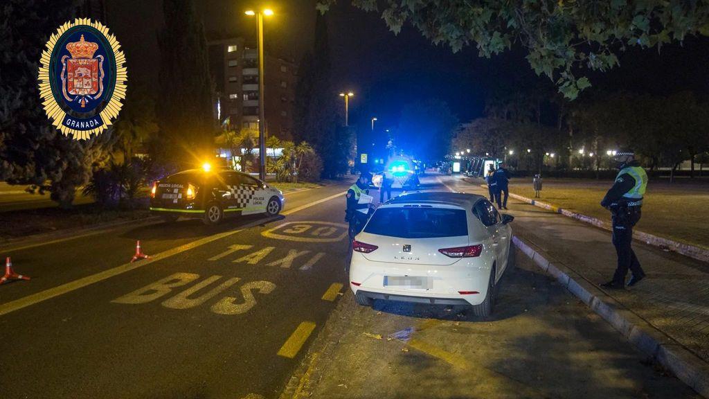 La Policía Local denuncia a siete personas en la primera noche de toque de queda de Granada