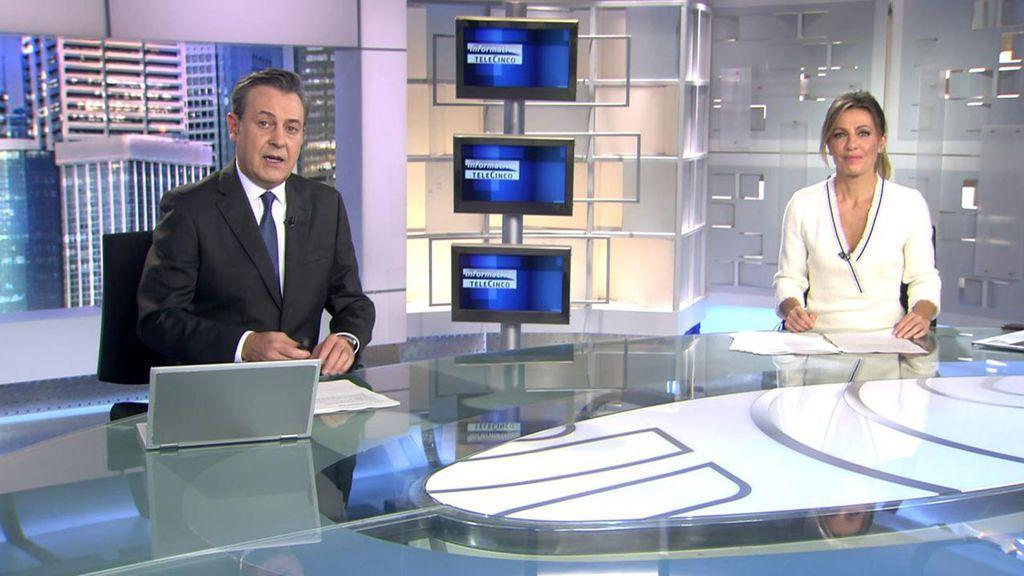 Con José Ribagorda y Ángeles Blanco Informativos Telecinco 2020 Noche 25/10/2020