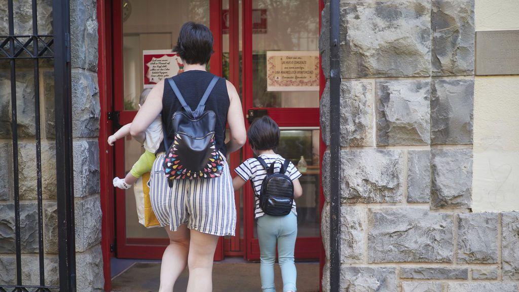 El Senado insta al Gobierno a reconocer que las monoparentales con dos hijos sean familia numerosa
