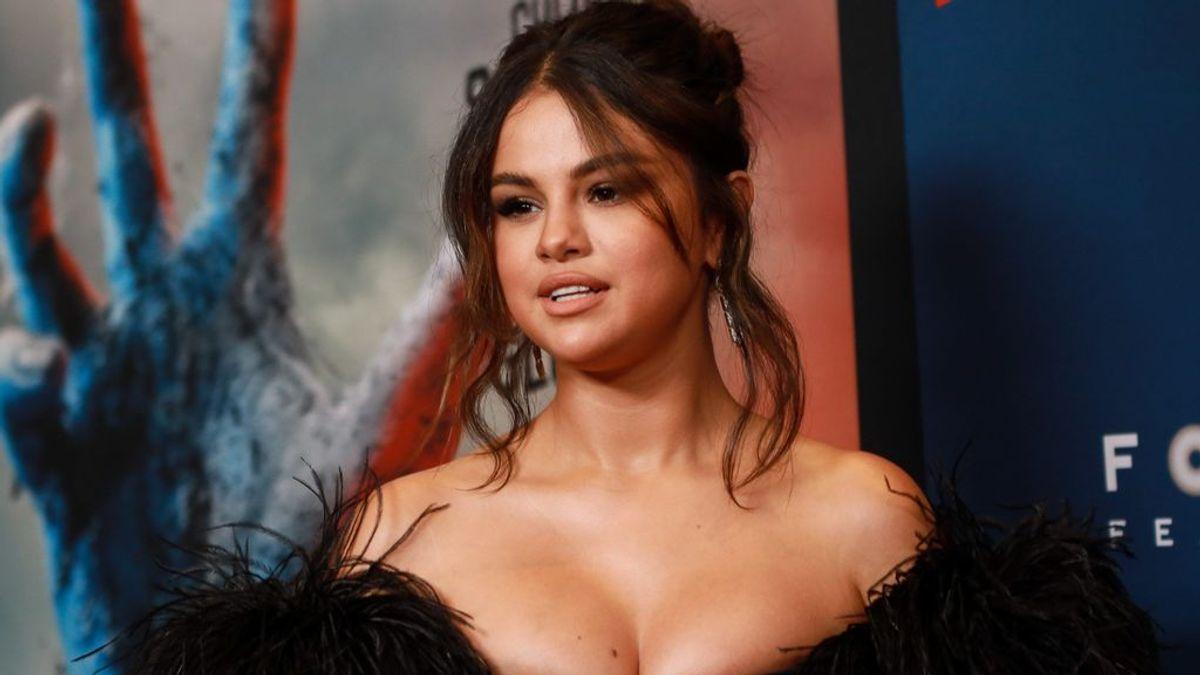 Selena Gómez preocupa tras hacer un directo en las redes sociales con una vía intravenosa en el brazo