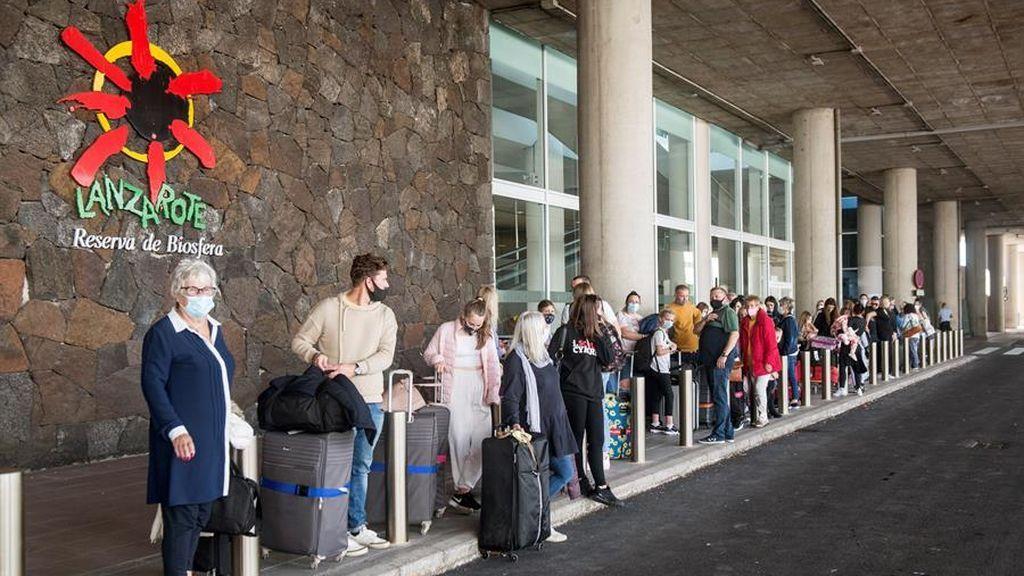 Canarias exigirá una prueba negativa a los turistas para entrar a las islas