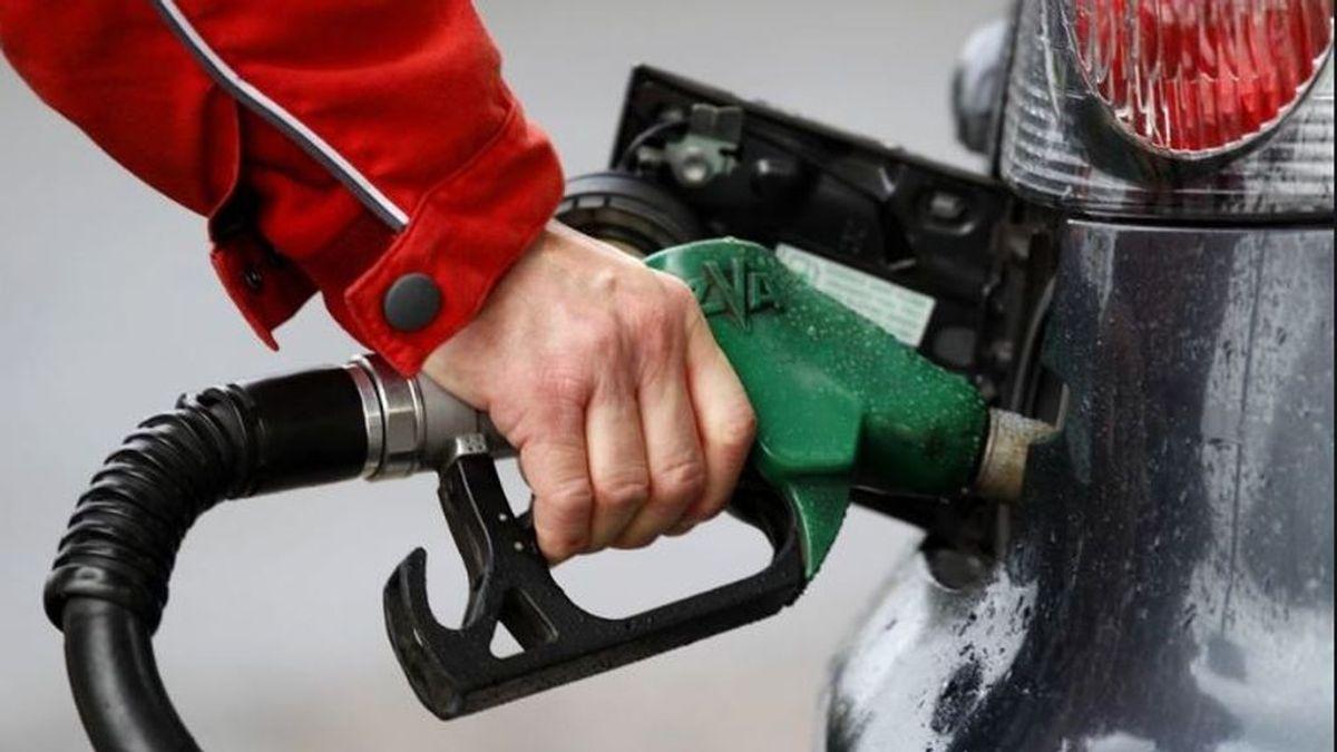 Llenar el depósito de diésel se encarecerá 3,45 euros al mes con la subida de impuestos