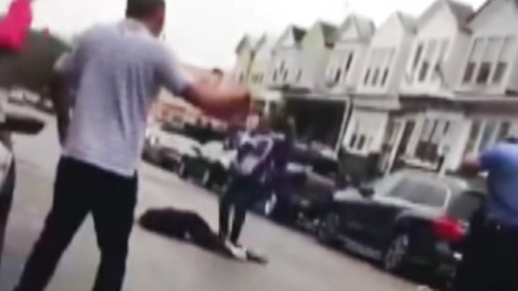 La Policía de Filadelfia abate a un hombre negro por llevar un cuchillo