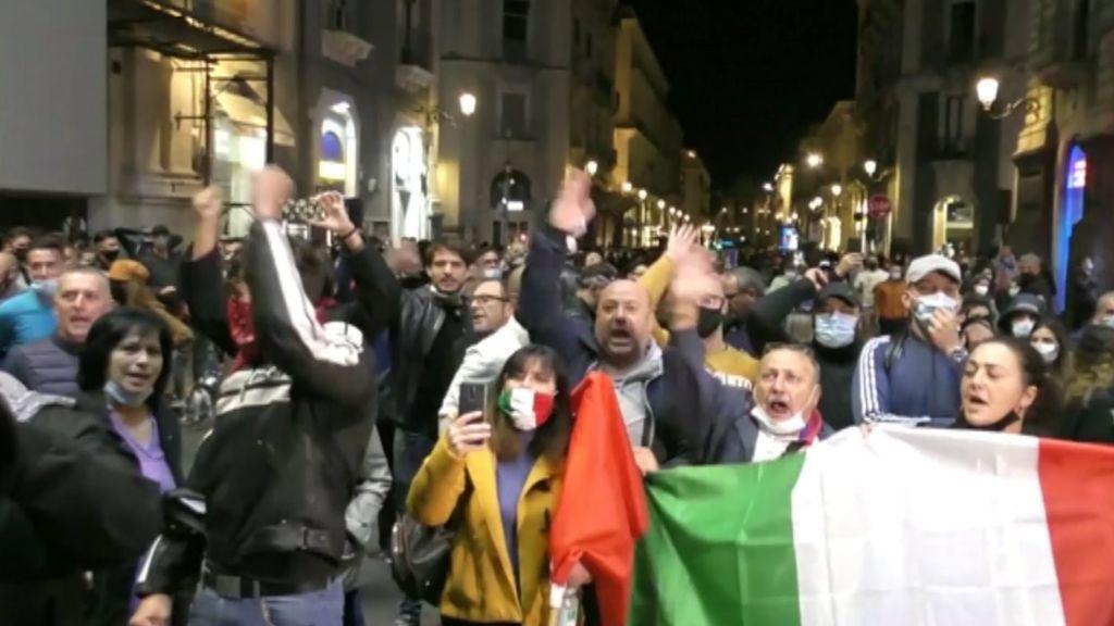 Italia estalla