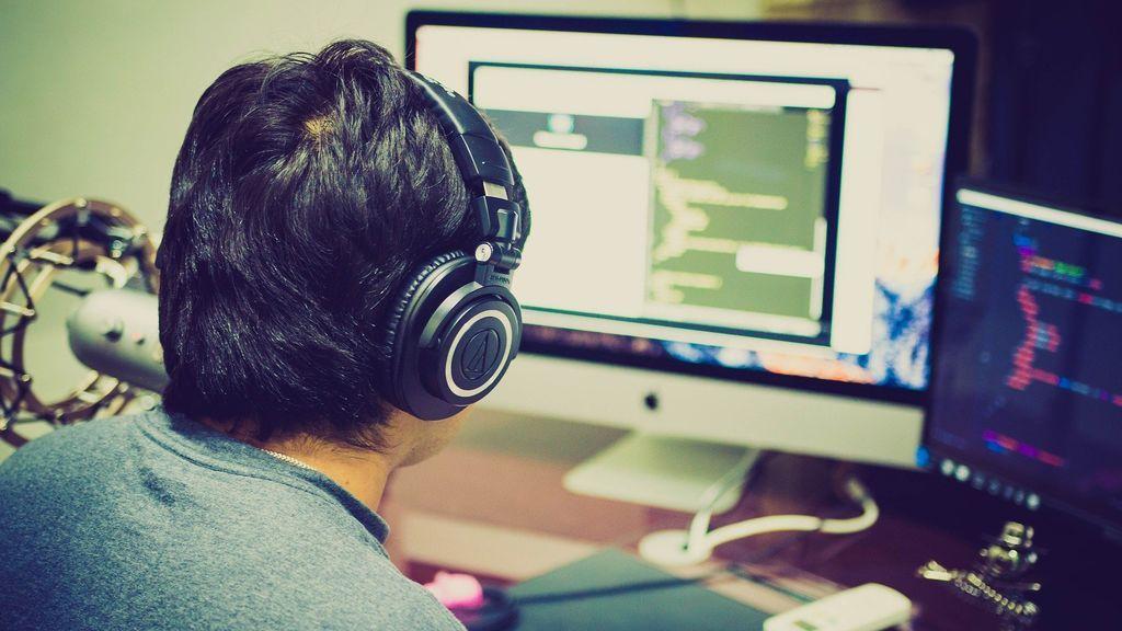 ¿El trabajo de tu vida? La empresa del navegador Opera lo tiene: 8.000 euros por dos semanas buscando memes