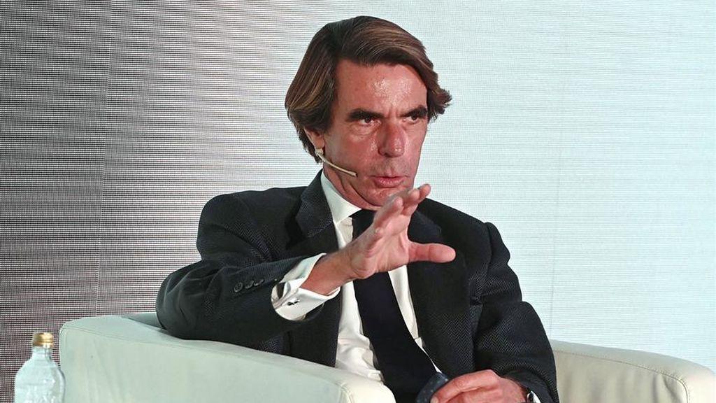 """Aznar arremete contra un estado de alarma de seis meses y los toques de queda """"porque lo diga alguno que pasaba por ahí"""" a"""