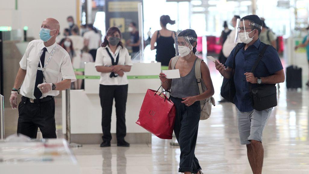 Qué es la vacuna aérea, la medida que Aena quiere implantar en los aeropuertos españoles