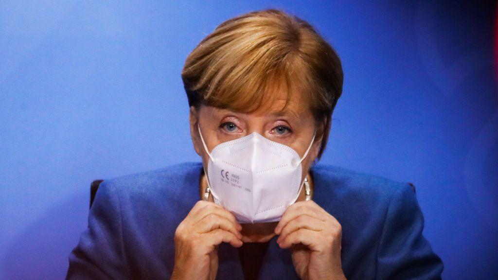 """Merkel instala un """"confinamiento light"""" en noviembre para salvar la Navidad en Alemania"""