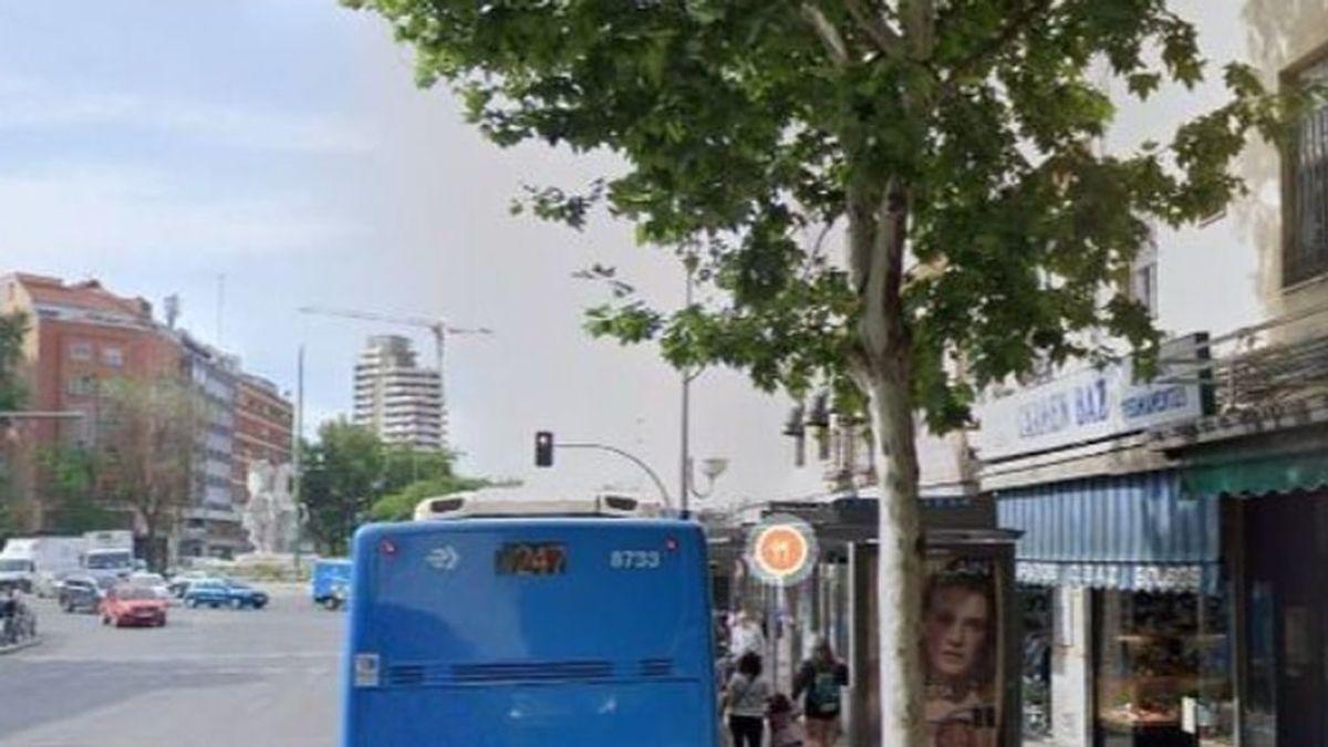Muere una mujer de 47 años en Legazpi (Madrid) tras tropezarse y caer delante de un autobús