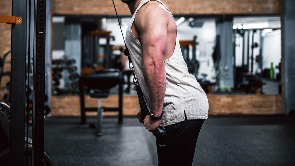 Cinco ejercicios para tríceps que te ayudarán a mantenerte en forma