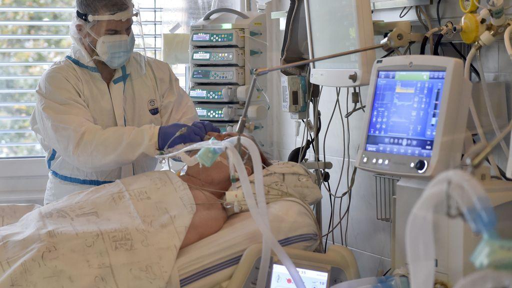 Las otras muertes por covid: se duplican los fallecimientos por infarto porque los enfermos tardan 35 minutos más en llamar a urgencias