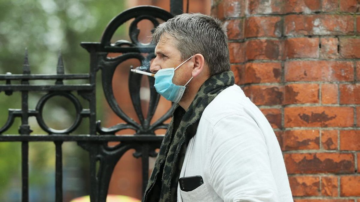Un tercio de los fumadores son hombres de 45 a 54 años: así es el tabaquismo en pandemia